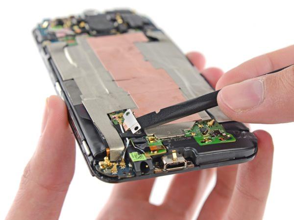 HTC One (M8) Demontage