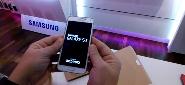 Samsung Galaxy S5 Powered by Android