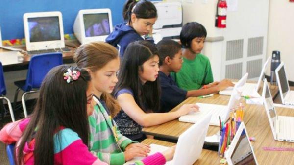Enfants-Ordinateur-Ecole