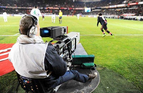 Cameraman Football
