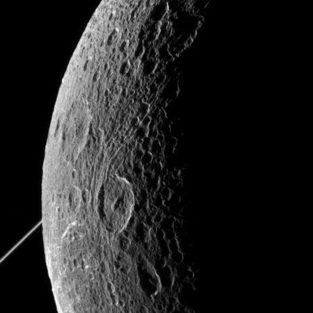 Dione 4