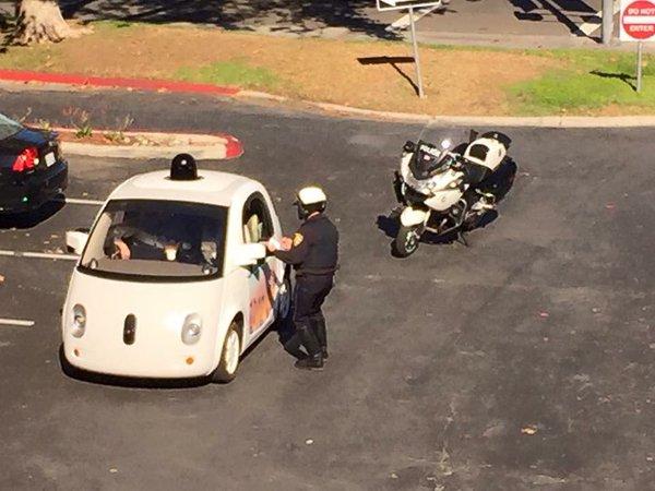 Voiture Google Police