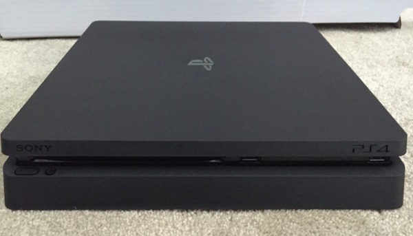 Fuite PlayStation 4 Slim