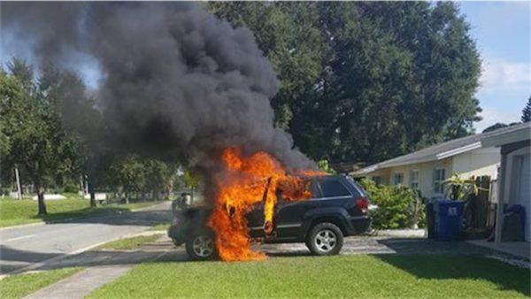 Note 7 voiture en feu