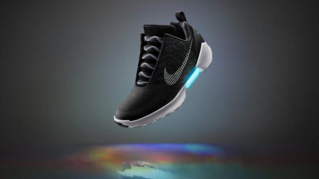 Les baskets auto-laçantes de Nike reviendront sur le marché en 2019… et à moitié prix !