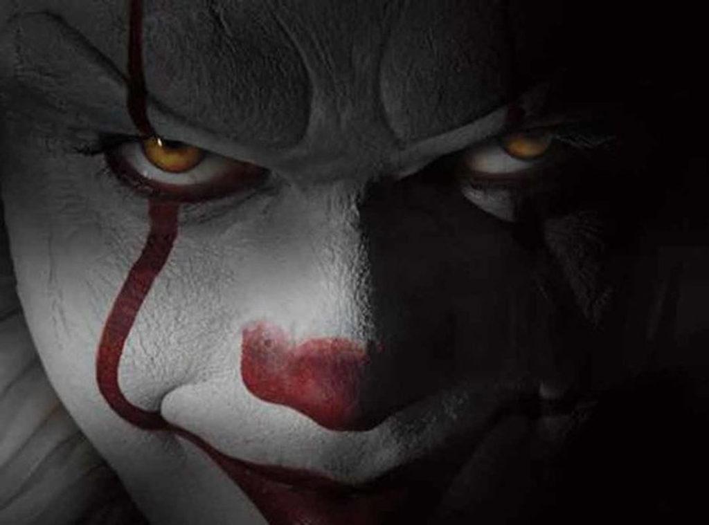 A un nouveau trailer pour les clowns qui ne donnent vraiment pas envie de rire kulturegeek - Film les portes de l enfer ...