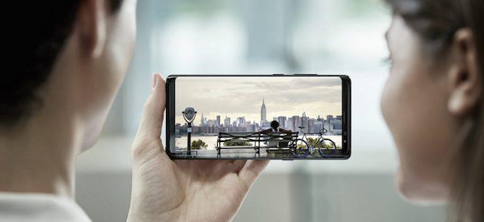 Pour rappel, le Galaxy Note 8 est le dernier smartphone haut de gamme en  date de Samsung avec un écran Super AMOLED de 6,3 pouces qui a l avantage  d être le ... c3887f1135b0