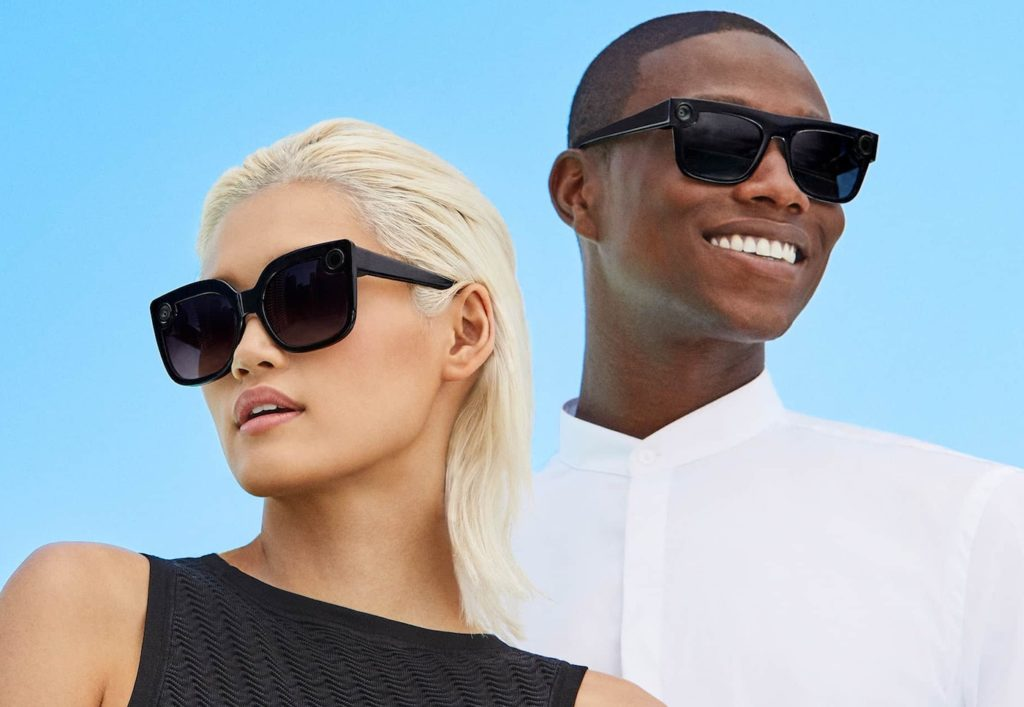 ... de Snapchat, dévoile aujourd hui la deuxième génération des Spectacles,  à savoir ses lunettes de soleil connectées. Le design a été revu pour  davantage ... cd7c26f46d79