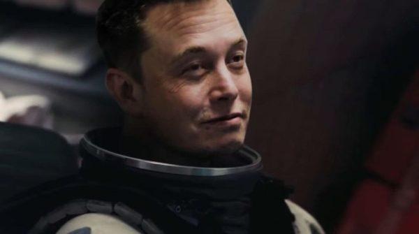 Elon Musk Dans Un Montage Parodique DInterstellar