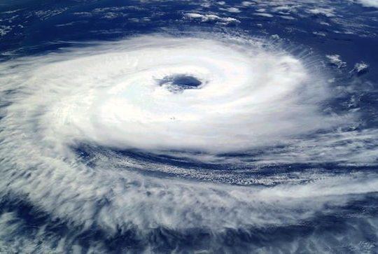 un-cyclone-vu-du-ciel