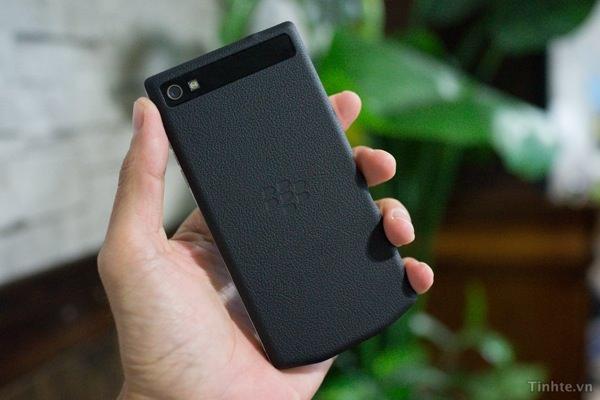 BlackBerry 10 Porsche Design 2