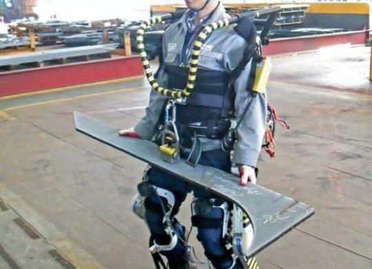 th_daewoo-robotic-exoskeleton-1