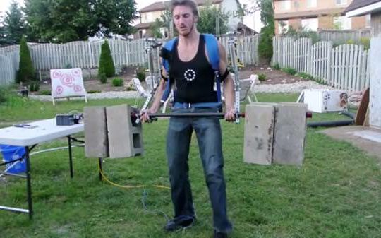 th_homemade-exoskeleton-the-hacksmith