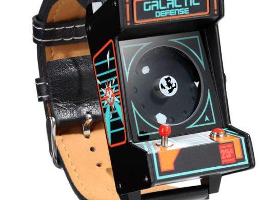 th_153f_classic_arcade_wrist_watch_anim