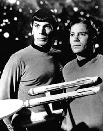 th_Leonard_Nimoy_William_Shatner_Star_Trek_1968