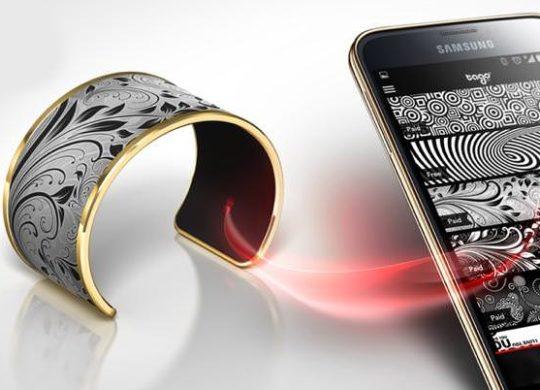 th_Tago-Arc-E-Ink-Smart-Bracelet