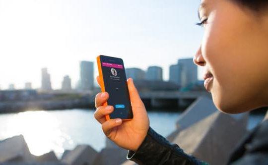 th_lumia-430_skype-calling
