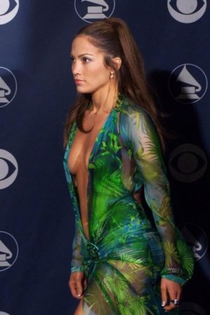 th_jennifer_lopez_green_dress_grammys