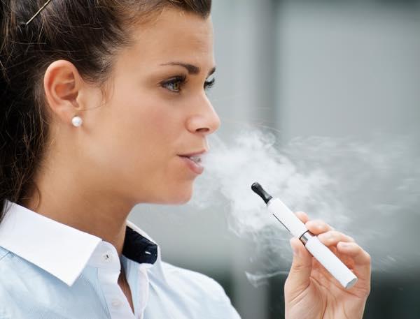 ils-ont-teste-la-cigarette-electronique-ils-temoignent