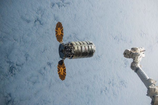 th_NASA_Cygnus_approaching_ISS.0.0