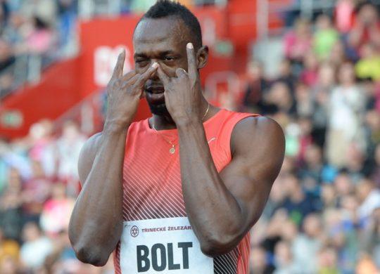 Usain-Bolt-athletisme-100-m-200-m-4×100-m-un-pas-de-plus-dans-la-legende