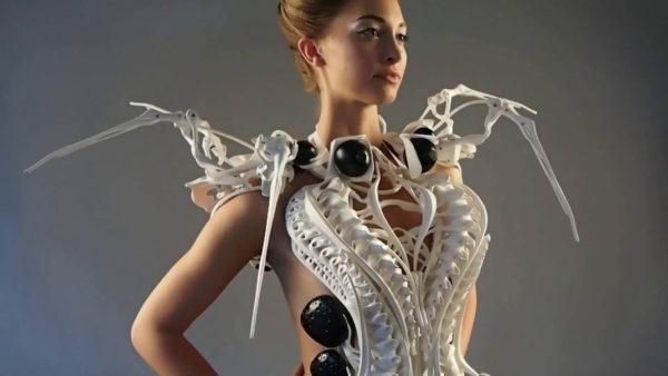 dress-robot