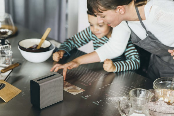 MWC Sony Xperia Touch Projecteur Tablette Tactile 3 1 600x400