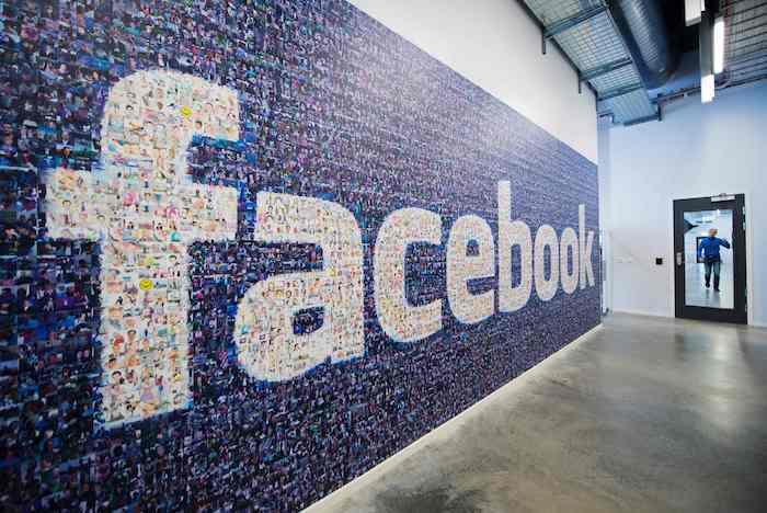 Facebook Mur Logo