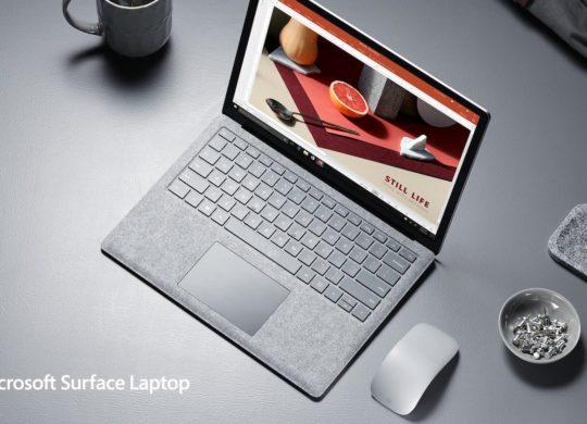 Surface Laptop Et Souris Gris