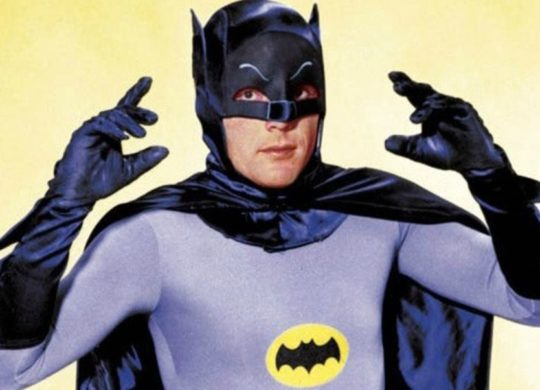 Batman-Yellow-West_ign_1280w_resultat