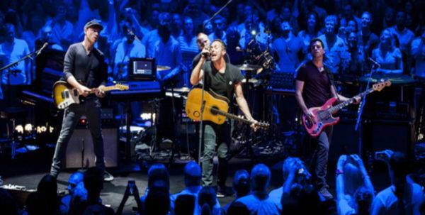 Coldplay Concert Samsung Gear Vr 1024x518 600x303