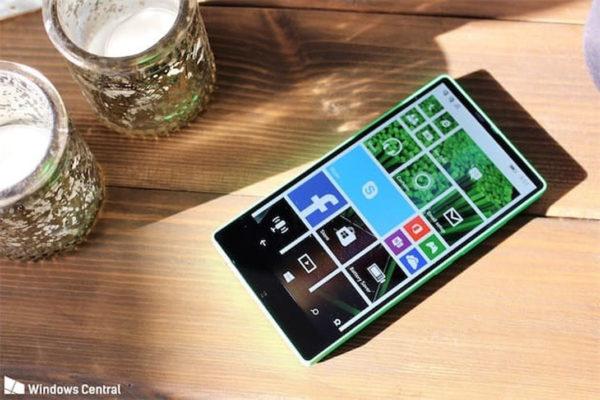 Lumia 435 600x400