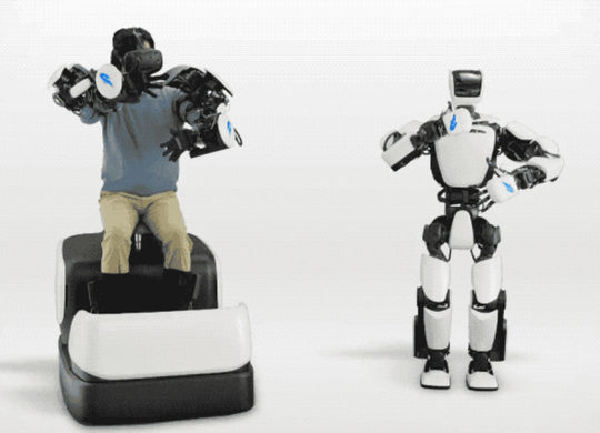 robot-with-me-toyota