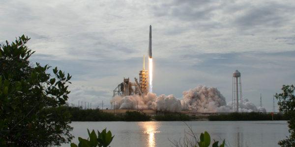 Lancement Et Atterrissage Reussis D Une Fusee Recyclee De SpaceX 600x300