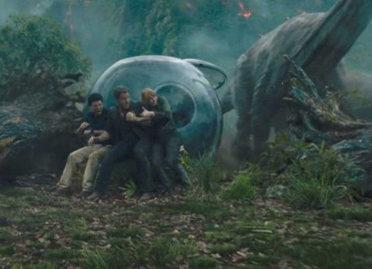 the-jurassic-world-fallen-kingdom-teaser-has-fear-written-over-it-1400×653-1512371987_1100x513
