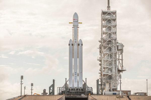 Falcon Heavy 1 2 600x399