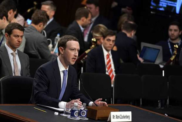 Zuckerberg Senateurs US 1 600x403