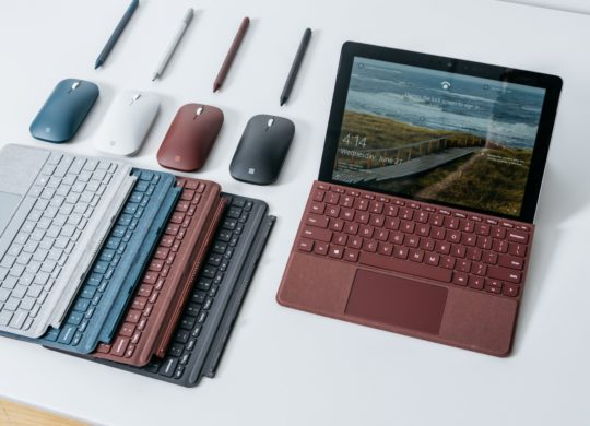Microsoft Surface Go Couleurs et Accessoires