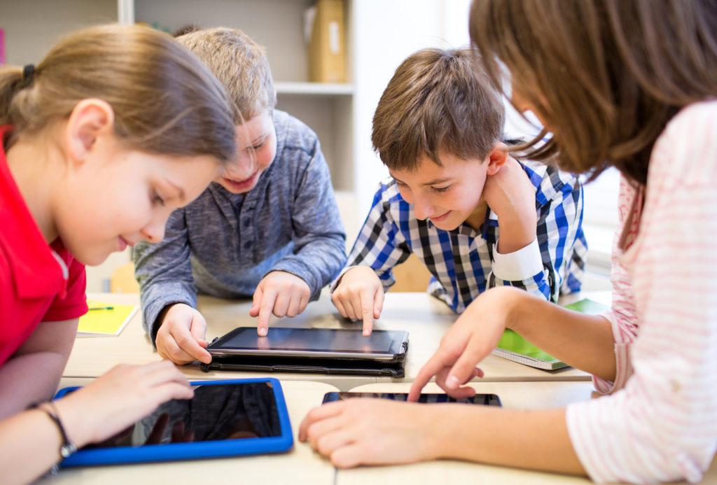 Tablettes Enfants Ecole 1024x693