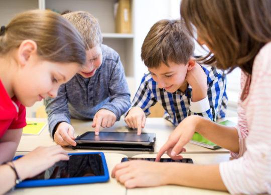 Tablettes Enfants Ecole