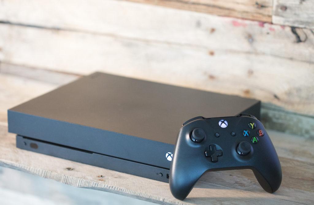 Xbox One X Et Manette 1024x670