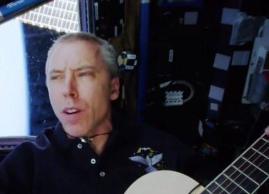 Feustel leaves ISS songs