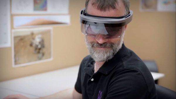 HoloLens New 600x338