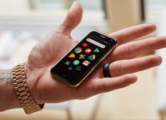 Palm Phone Officiel Main