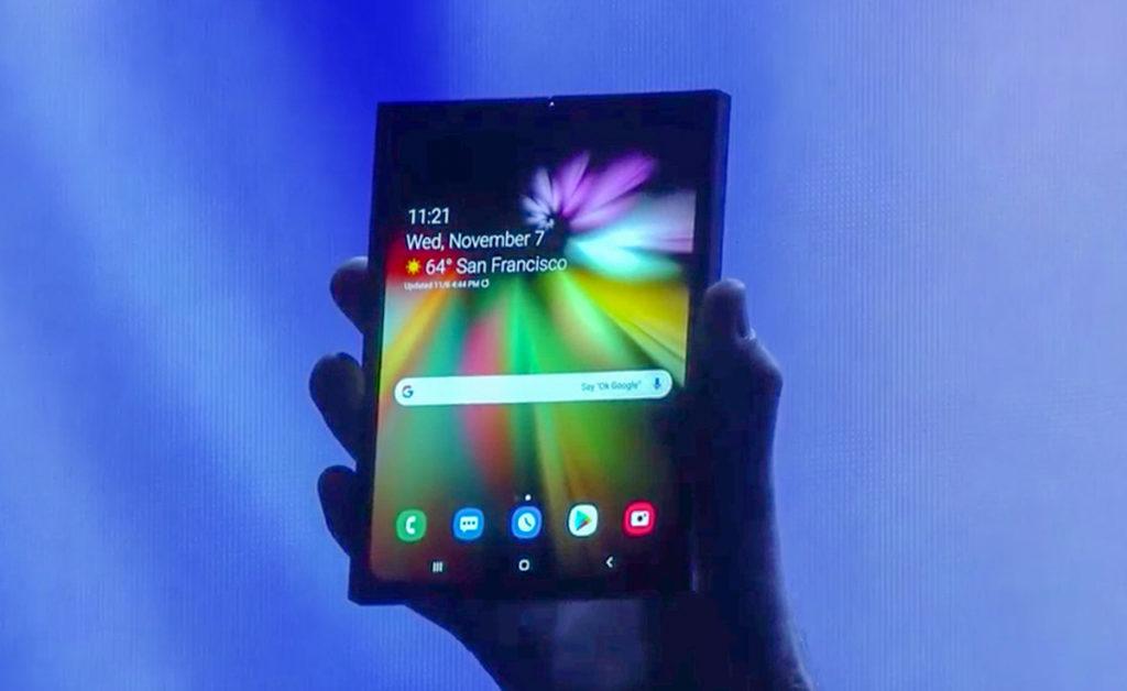 Samsung Smartphone Pliable Premier Apercu 1024x628