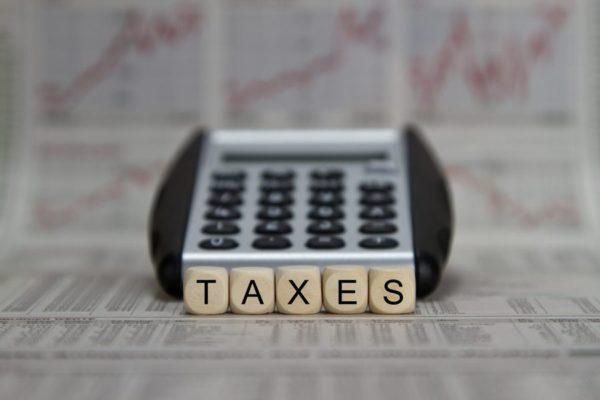 Taxes 600x400