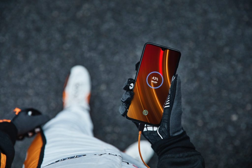 OnePlus 6T McLaren Edition Avant 1024x682