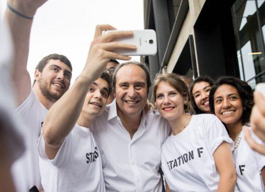 Xavier Niel Selfie