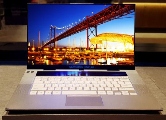 Samsung Ecran OLED 4K 15.6 Pouces