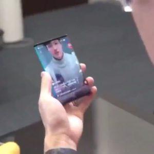 Xiaomi dévoile un smartphone pliable en trois parties !